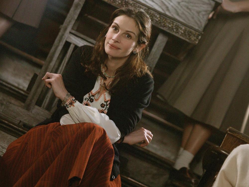 Julia Roberts como Katherine Watson em ''O Sorriso de Mona Lisa''.